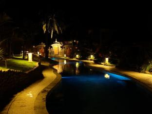 Puri Dajuma Beach Eco Resort & Spa बाली - तरणताल