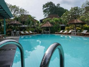 Puri Kelapa Garden Cottages Bali - Swimming Pool