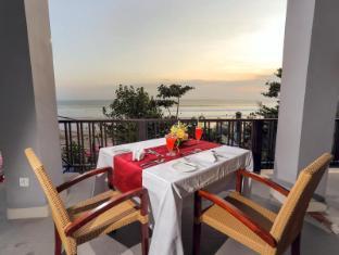 Puri Saron Seminyak Hotel & Villas Bali - Camplung Restaurant