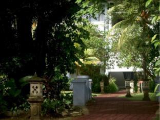 Puri Saron Seminyak Hotel & Villas Bali - Garden