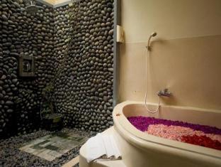 Putu Bali Villa And Spa Hotel Bali - Bathroom