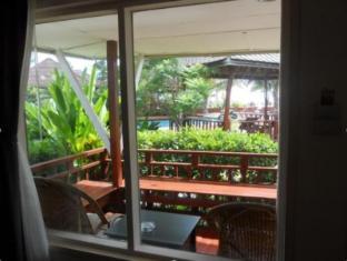 Nakara Longbeach Resort Koh Lanta - Deluxe bungalow