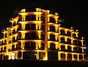 /legacy-hotel/hotel/batumi-ge.html?asq=5VS4rPxIcpCoBEKGzfKvtBRhyPmehrph%2bgkt1T159fjNrXDlbKdjXCz25qsfVmYT