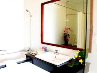 Dong Khanh Hotel Ho Chi Minh City - Bathroom