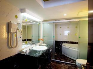 Salvo Hotel Shanghai - Bathroom