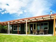 Matapouri Beachfront   New Zealand Budget Hotels