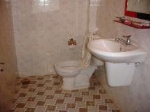 Vietnam Hotel Accommodation Cheap   bathroom