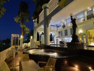 At Pingnakorn Huaykaew Hotel Chiang Mai - Swimming Pool