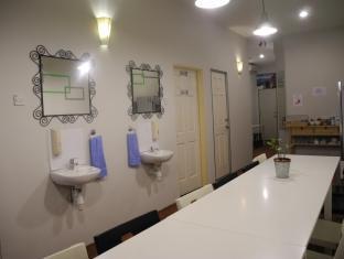 Submarine Guest House - China Town Kuala Lumpur - Living
