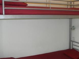 Submarine Guest House - China Town Kuala Lumpur - Guest Room