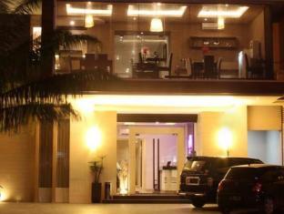 ホテル エメラルド スラバヤ
