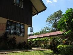 De Castro Vacation House | Philippines Budget Hotels