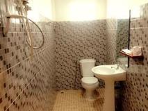 S.S.V Ketthala Hotel: bathroom