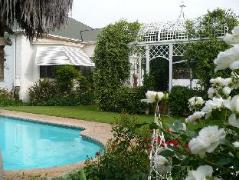 A Tapestry Garden | South Africa Budget Hotels