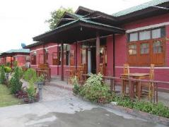 Pyi Guest House | Cheap Hotels in Inle Lake Myanmar