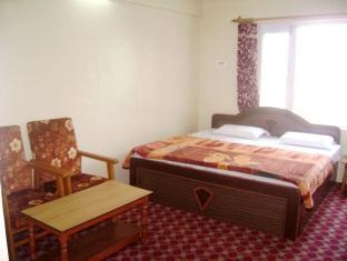 /hotel-ab-i-hayat/hotel/srinagar-in.html?asq=jGXBHFvRg5Z51Emf%2fbXG4w%3d%3d