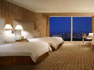 Nadstandardna soba z zakonsko posteljo in panoramskim razgledom