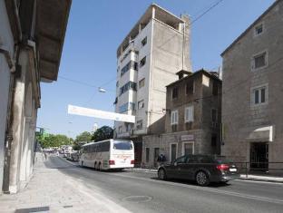 /apartment-dea/hotel/split-hr.html?asq=jGXBHFvRg5Z51Emf%2fbXG4w%3d%3d