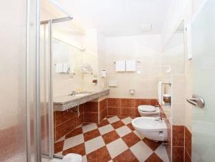 Der Wilhelmshof Hotel Vienna - Bathroom