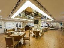 Riviera Hotel: restaurant