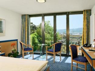 /sv-se/comfort-hotel-royal/hotel/zurich-ch.html?asq=vrkGgIUsL%2bbahMd1T3QaFc8vtOD6pz9C2Mlrix6aGww%3d