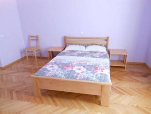 /honeyhostel/hotel/tbilisi-ge.html?asq=vrkGgIUsL%2bbahMd1T3QaFc8vtOD6pz9C2Mlrix6aGww%3d