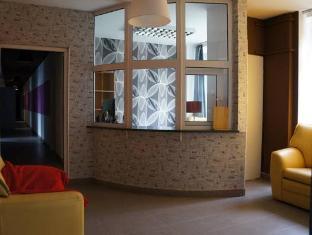 /hostel-bazyl/hotel/warsaw-pl.html?asq=jGXBHFvRg5Z51Emf%2fbXG4w%3d%3d