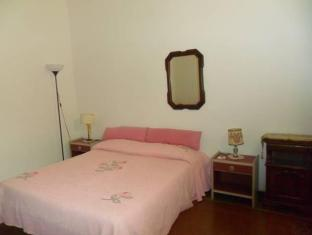 /guesthouse-la-briosa-nicole/hotel/genoa-it.html?asq=5VS4rPxIcpCoBEKGzfKvtBRhyPmehrph%2bgkt1T159fjNrXDlbKdjXCz25qsfVmYT