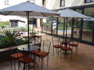 Roma Hotel Prague - Convenient sitting in summer season