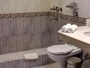 Palace on Ganges Hotel Varanasi - Phòngtắm