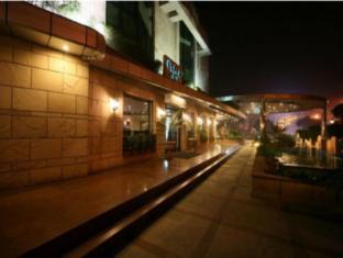 City Park Hotel New Delhi and NCR - Exterior