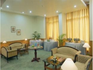 City Park Hotel New Delhi and NCR - Hotel Interior