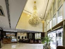 Howard Johnson Hotel: lobby