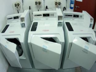 RELC International Hotel Singapore - Laundromat