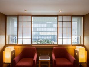 Hotel Okura Tokyo - Elevator Hall