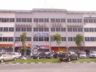 Universal Inn