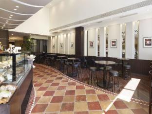the b akasaka-mitsuke Tokyo - Coffee Shop/Cafe