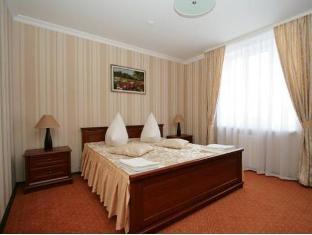 /hotel-kalyna/hotel/kremenets-ua.html?asq=jGXBHFvRg5Z51Emf%2fbXG4w%3d%3d