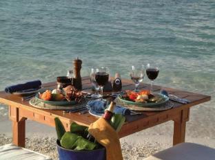 Makunudu Island Resort Maldives Islands - Dining