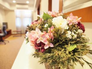 Caritas Bianchi Lodge Hotel Hong Kong - Guest Room