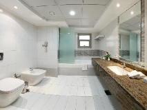 Al Majaz Premiere Hotel Apartments: bathroom