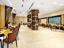 Al Majaz Premiere Hotel Apartments: restaurant