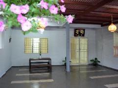 Cheap Hotels in Malacca / Melaka Malaysia   Gen-Ji Cottage