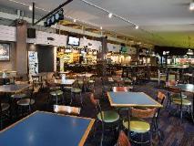 Burvale Hotel: pub/lounge