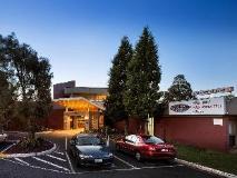 Coolaroo Hotel: exterior