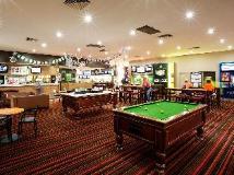 Coolaroo Hotel: pub/lounge