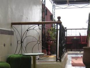 /sv-se/riad-janat-salam/hotel/marrakech-ma.html?asq=m%2fbyhfkMbKpCH%2fFCE136qQPaqrQ8TR4epHDskeQWkV9xbmY705VAXArEvAzTkheH