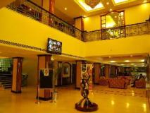 Fortune Kences Hotel: lobby