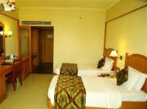 Fortune Kences Hotel: guest room