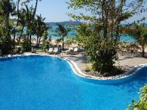 Sandoway Resort: swimming pool